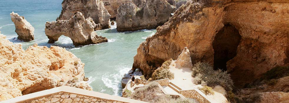 Search the Best Flights to Portugal