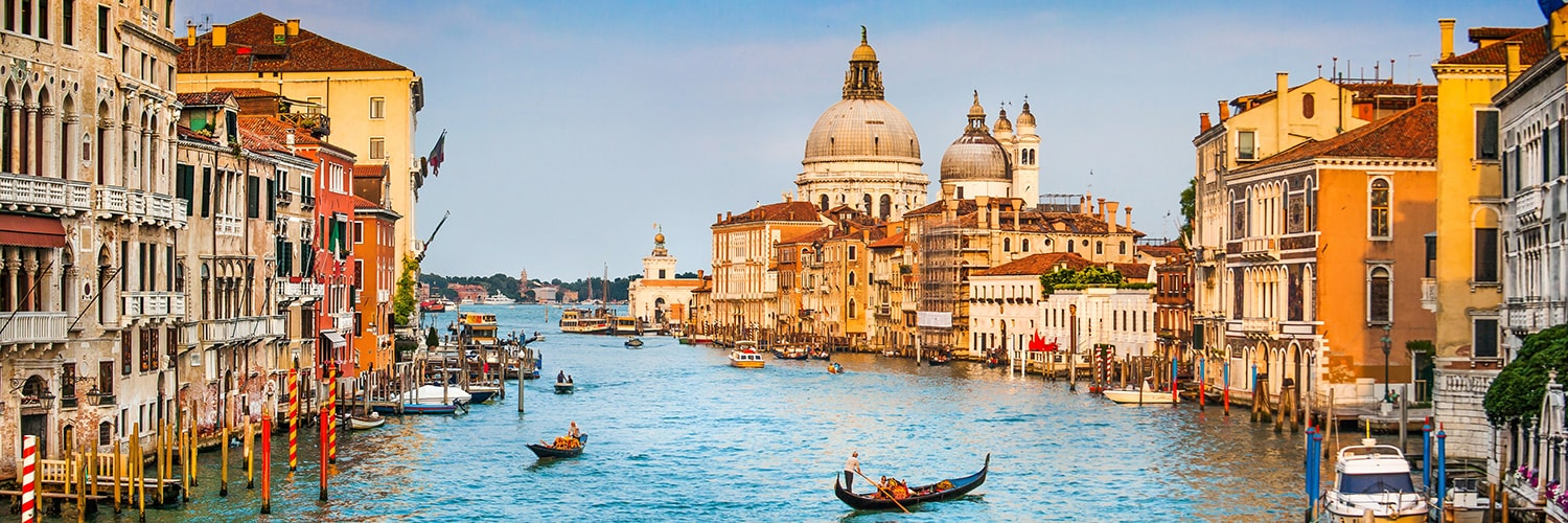 Search Malaga to Venice (AGP - VCE) Flight Deals