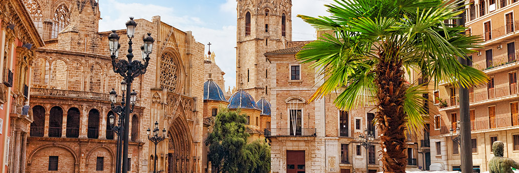 Search Amsterdam to Valencia (AMS - VLC) Flight Deals